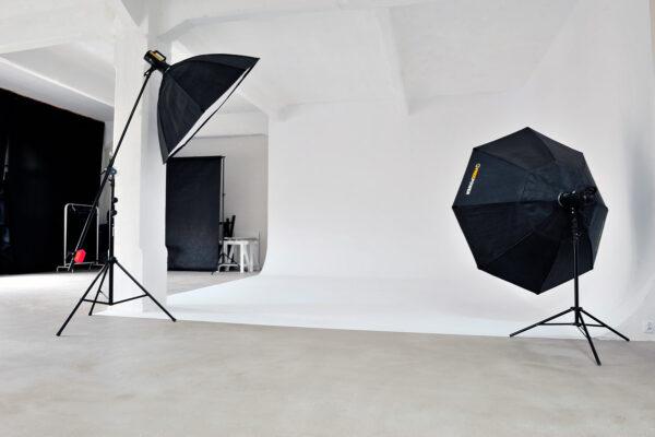 Studio Fotograficzne Pełna Klatka z dużą Cykloramą. Studio fotograficzne do wynajęcia w Łodzi